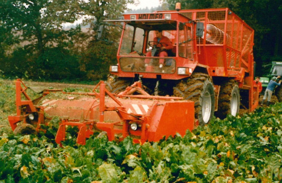 1985: TS 210 with beet bunker