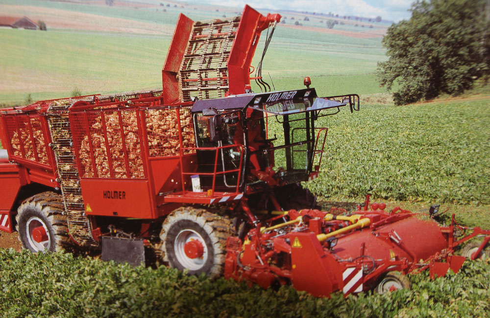 1992: Serial production of the sugar beet harvester classic